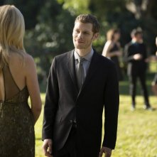 Candice Accola con Joseph Morgan in una scena dell'episodio My Brother's Keeper della serie TV The Vampire Diaries