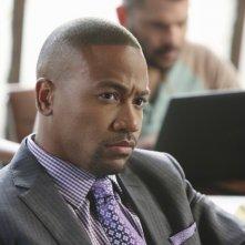 Columbus Short in una scena dell'episodio White Hat's Off della seconda stagione della serie Scandal