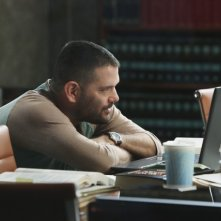 Guillermo Diaz in una scena dell'episodio White Hat's Off della seconda stagione di Scandal