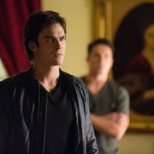 Ian Somerhalder e Michael Trevino in una scena dell'episodio The Killer della quarta stagione di The Vampire Diaries