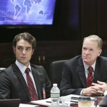 Jason Dechert e Josh Clark in una scena dell'episodio The Other Woman della seconda stagione di Scandal