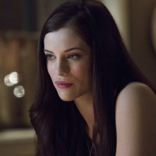Jessica De Gouw in una scena per l'episodio Muse of Fire della prima stagione di Arrow