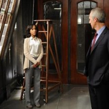 Kerry Washington e Tom Amandes in una scena dell'episodio All Roads Lead to Fitz della seconda stagione di Scandal