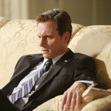 Tony Goldwin in una scena dell'episodio Beltway Unbuckled della seconda stagione di Scandal
