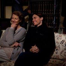 Tutto parla di te: Charlotte Rampling sul set insieme alla regista Alina Marazzi