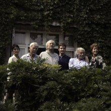 E se vivessimo tutti insieme?: il cast del film in una scena