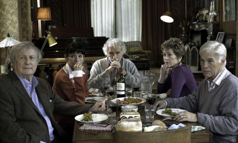 E Se Vivessimo Tutti Insieme Il Cast In Una Scena Del Film 257914