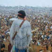 Hendrix 70. Live at Woodstock: Jimi Hendrix di spalle sul leggendario palco