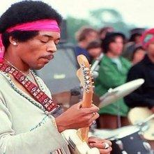Hendrix 70. Live at Woodstock: Jimi Hendrix sul palco di Woodstock in una scena del documentario