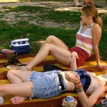 Kim Shaw e Elisabeth Hower in una scena dell'episodio Blackout della prima stagione della serie In cerca di Jane