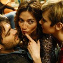 L'amore è imperfetto: Camilla Filippi con Anna Foglietta e Giulio Berruti in una scena del film