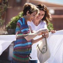 L'amore è imperfetto: Camilla Filippi e Anna Foglietta sorridono in una scena del film