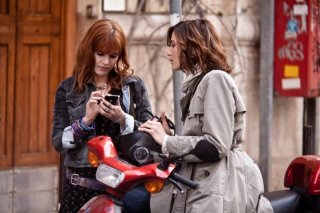 L'amore è imperfetto: Lorena Cacciatore con Anna Foglietta in una scena del film