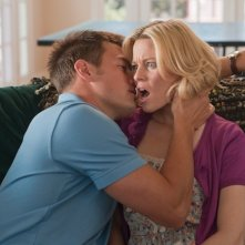 Movie 43: Josh Duhamel bacia una scandalizzata Elizabeth Banks