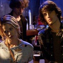 Peter Vack e Kim Shaw in una scena dell'episodio Never Trust a Moonblower della serie In cerca di Jane