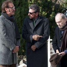 Una famiglia perfetta: Sergio Castellitto insieme a Marco Giallini e Sergio Fiorentini in un momento del film