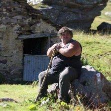L'ultimo pastore: il pastore Renato Zucchelli sui monti al pascolo in una scena del film