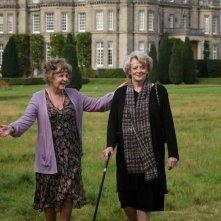 Quartet: Maggie Smith e Pauline Collins in una bella immagine tratta dal film