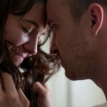 Smashed: Mary Elizabeth Winstead ed Aaron Paul in una dolcissima scena del film
