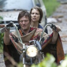 The Walking Dead: Norman Reedus e Lauren Cohan nell'episodio Basta una parola