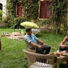 Vin Diesel e Paul Walker fanno colazione in giardino sul set di The Fast and the Furious 6