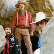 A Glimpse Inside the Mind of Charles Swan III: Bill Murray, Charlie Sheen e Jason Schwartzman in una scena del film