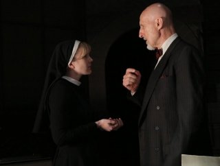 American Horror Story: Lily Rabe con James Cromwell in The Origins of Monstrosity - episodio della seconda stagione