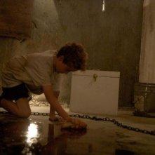 Chained: il piccolo Evan Bird in una scena del film