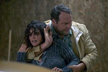 Chained: Vincent D'Onofrio e Julia Ormond in una scena del film diretto da Jennifer Lynch