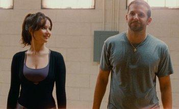 Bradley Cooper e Jennifer Lawrence ne L'orlo argenteo delle nuvole
