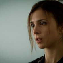 Breaking Horizon: Aylin Tezel in una scena del film