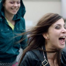 Breaking Horizon: la protagonista Aylin Tezel in una scena