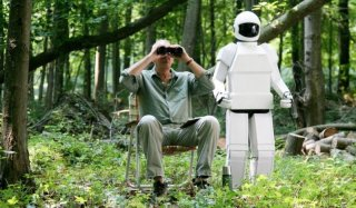 Frank Langella in missione insieme all'amico robot in Robot and Frank