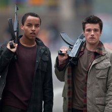 Josh Hutcherson con Connor Cruise in Red Dawn