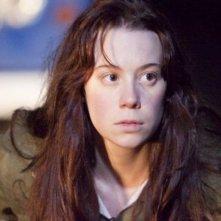 Shell: la protagonista Chloe Pirrie nei panni di Shell in una scena del film