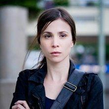 Un primo piano di Aylin Tezel in una scena di Am Himmel der Tag, del 2012