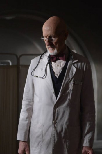 American Horror Story, Asylum - James Cromwell nell'episodio Dark Cousin