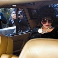 Lindsay Lohan in Liz and Dick, truccata e vestita come una Liz Taylor più matura