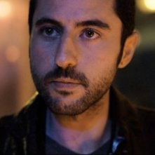 Present tense: Ozan Bilen in una scena del film
