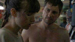 Sun Don't Shine: Kate Lyn Sheil in una scena del film con Kentucker Audley