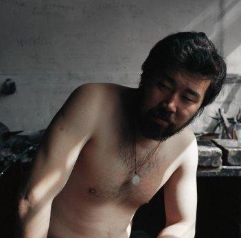 The First Aggregate: il protagonista Huntun Batu in un'immagine del film