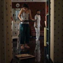 I.D.: Geetanjali Thapa in una scena del film con il misterioso imbianchino