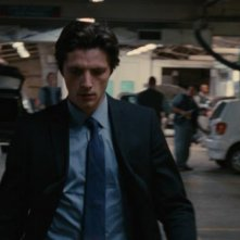 Trois mondes: Raphaël Personnaz  in una scena del film