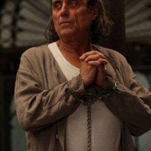 American Horror Story, Asylum -  Ian McShane nell'episodio Unholy Night
