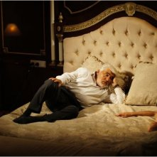 Fritzi Haberlandt a letto con Mario Adorf in Die Libelle und das Nashorn