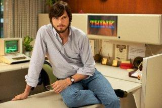 jOBS: Get Inspired - Ashton Kutcher nella prima immagine ufficiale del film