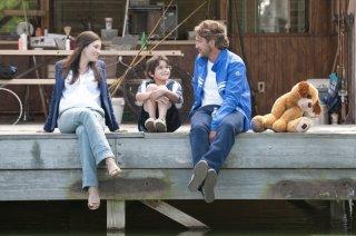 Quello che so sull'amore: Gerard Butler e Jessica Biel in una scena del film con Noah Lomax