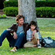 Quello che so sull'amore: Gerard Butler in una tenera sequenza con Noah Lomax
