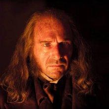 Grandi speranze: Ralph Fiennes è Magwitch in una scena del film