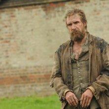 Grandi speranze: Ralph Fiennes nel ruolo di Magwitch in una scena del film